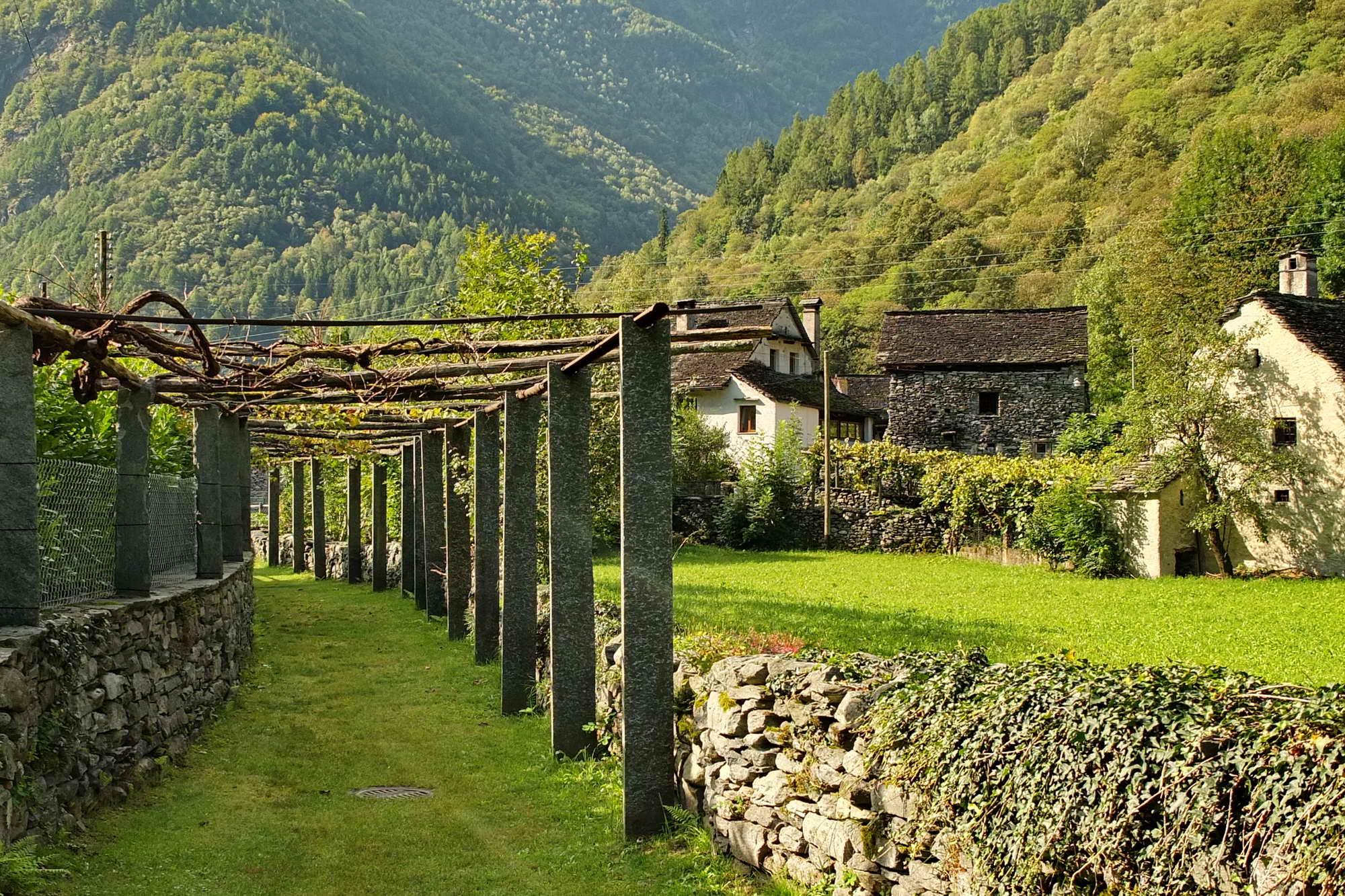 MT 7.9 Cavergno > Bosco Gurin (Tessin)